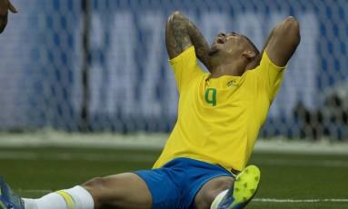 Gabriel Jesus lamenta chance perdida no empate entre Brasil e Suíça Foto: Alexandre Cassiano