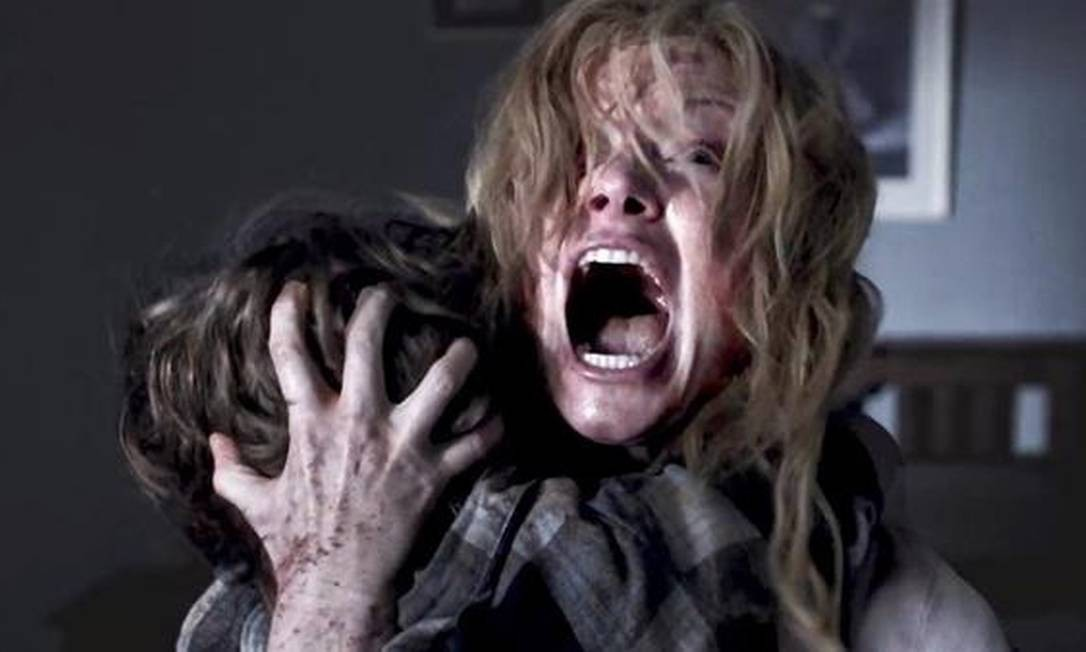 'BABADOOK' (2014). Após a morte do marido, uma mulher precisa cuidar sozinha do filho, que começa a ter visões de um monstro. O filme de Jennifer Kent usa o gênero para examinar a ansiedade causada pela maternidade.