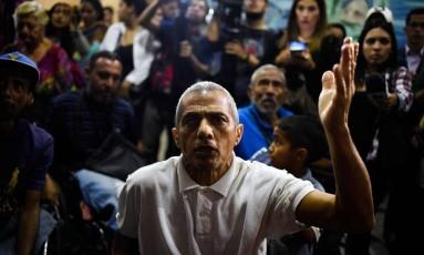 Cidadãos venezuelanos protestam contra falta de suprimentos médicos no país: crise de serviços públicos é razão para grande parte de migrações Foto: FEDERICO PARRA / AFP