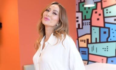 Sabrina Sato nos bastidores da campanha da Euro Foto: Divulgação