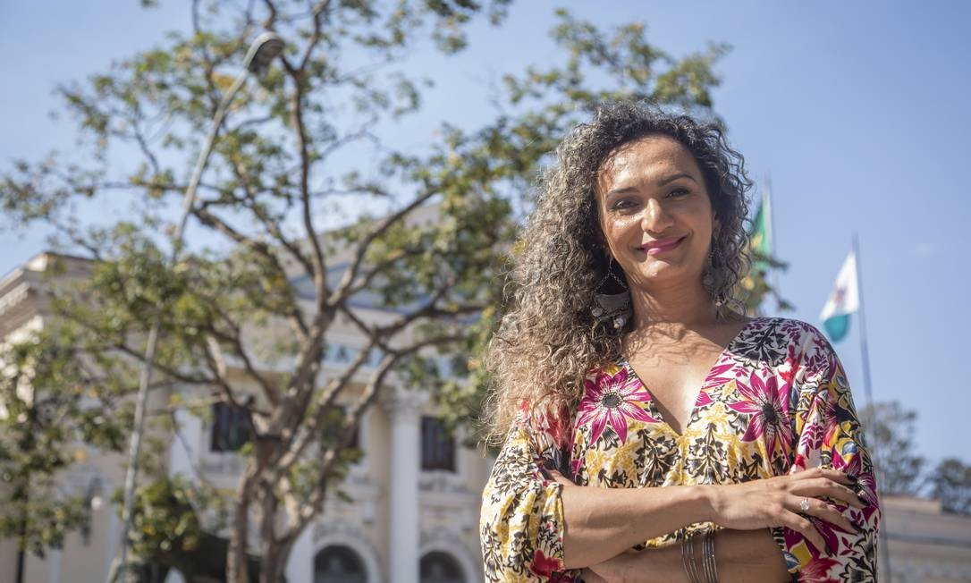 Bruna Benevides, mulher trans, luta para reaver seu cargo na Marinha Foto: Analice Paron / Agência O Globo