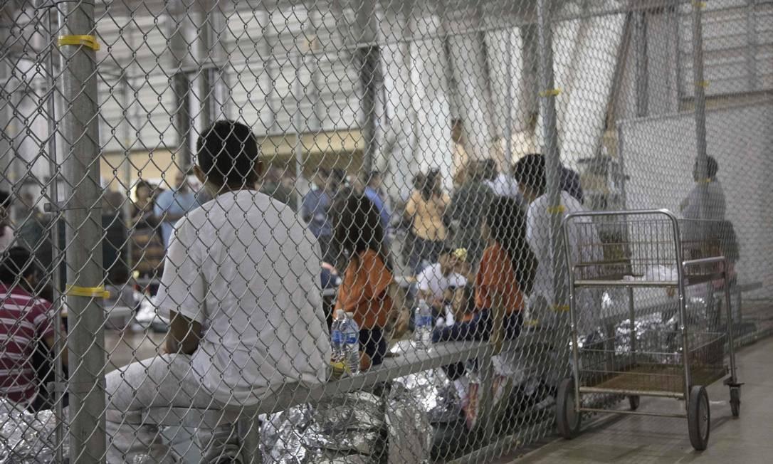 Foto divulgada pela Agência de Alfândega e Proteção de Fronteira dos EUA mostra centro de processamento de imigrantes em situação irregular no Texas Foto: Divulgação / AFP