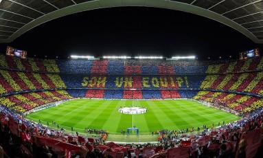 Camp Nou, o estádio do Barcelona, lotado em partida válida pela Champions League Foto: Ayman.antar7 / Wikimedia Commons / Reprodução