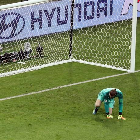 Goleiro do Manchester United, De Gea falhou feio na estreia contra Portugal Foto: Lucy Nicholson / REUTERS