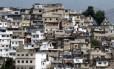 Morro da Coroa, na região central do Rio Foto: Marcos Tristão / O Globo (Arquivo)