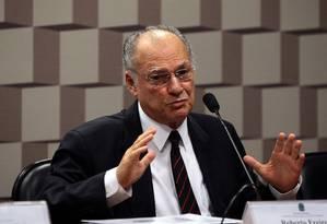 Roberto Freire participa deaudiência pública no Senado Foto: Givaldo Barbosa/Agência O Globo/04-04-2017