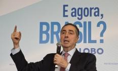 Para o ministro Luís Roberto Barroso, a democracia no Brasil se mantém firme, apesar da recessão prolongada e da crise política Foto: Adriana Lorete / Agência O Globo