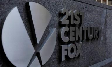 Logomarca da 21st Century Fox em prédio da empresa em Nova York. Lucas Jackson/Reuters