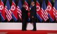 Lembranças antiamericanas são retiradas de lojas da Coreia do Norte após cúpula entre Trump e Kim Jong-Un Foto: Jonathan Ernst / Reuters