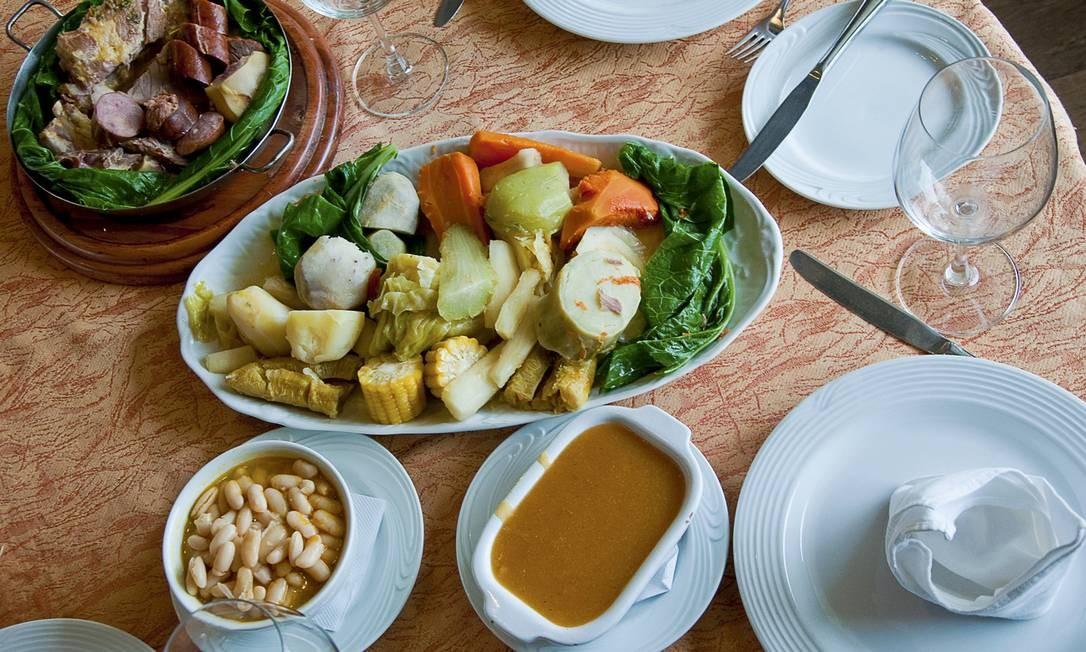 Rampinha. O cozido à portuguesa é servido às quartas e aos domingos, com pirão, feijão branco, legumes e carnes (R$ 65 ou R$90, serve duas pessoas). Av. Pça. da Bandeira 201 Praça da Bandeira (2273-7647) Divulgação