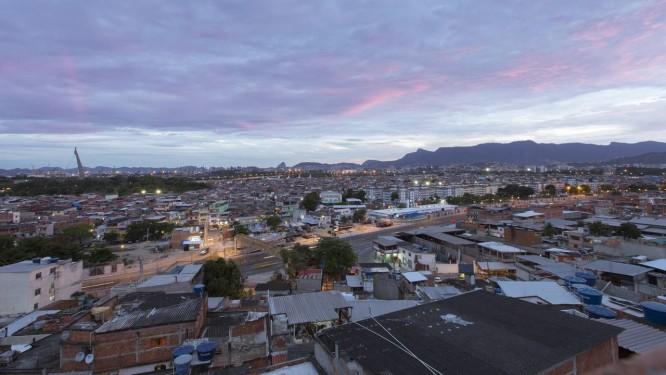 Complexo da Maré, comunidade na Zona Norte do Rio Foto: Daniel Marenco / Agência O Globo