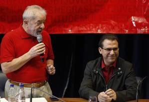 Luiz Marinho, pré-candidato do PT ao governo de SP, ao lado de Lula Foto: Edilson Dantas / Agência O Globo