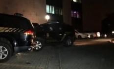 A movimentação das equipes da Polícia Federal Foto: TV Globo / Reprodução