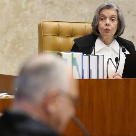 A ministra Cármen Lúcia, durante sessão do STF Foto: Ailton de Freitas / Agência O Globo