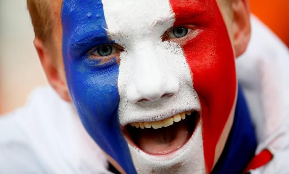 Torcedor frances, durante o jogo entre França e Peru em Ekaterinburg Arena, Ecaterimburgo Foto: JASON CAIRNDUFF / REUTERS