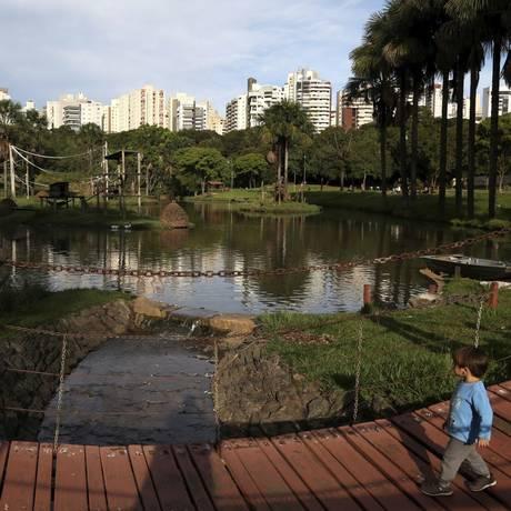 O zoológico é um dos 38 parques criados em torno de nascentes em Goiânia Foto: Custodio Coimbra / Agência O Globo