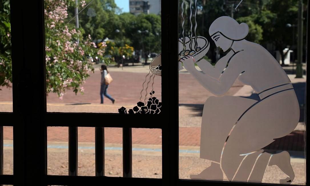 A Praça Cívica reúne 11 dos 22 edifícios e monumentos de art déco tombados em Goiânia Foto: Custodio Coimbra / Agência O Globo