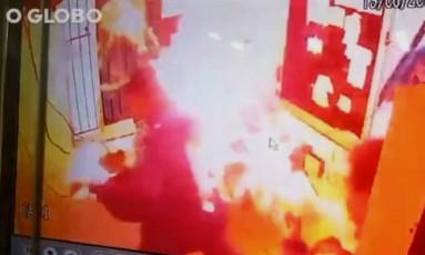 Morador põe fogo em porteiro de condomínio em Teresópolis Foto: Reprodução