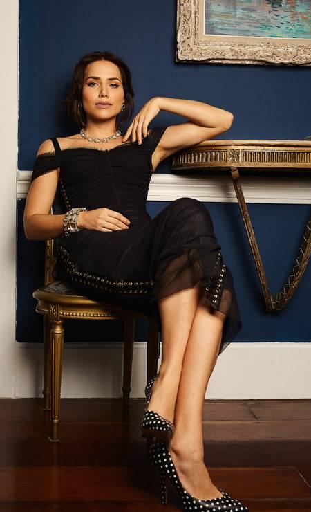 Vestido Dolce & Gabbana, colar e pulseiras, todos H. Stern, e sapatos Valentino Foto: Leandro Tumenas