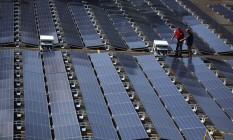 Painéis solares da Tesla em um hospital de Porto Rico. Foto: Alvin Baez/Reuters