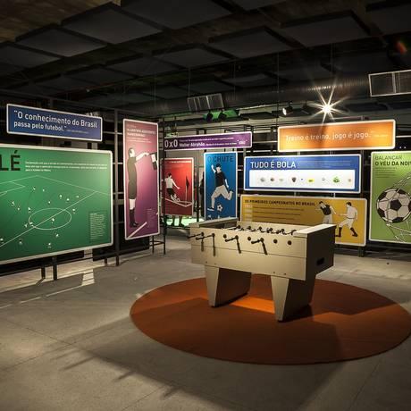 Museu do Futebol de São Paulo expõe peças no CCBB Foto: Tom Cabral / Tom Cabral