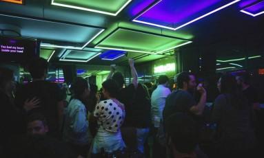 Mix. Uma das salas do Tokyo: bar, restaurante, karaokê, boate, área de exposições, cinema e espaço para tatuagens Foto: Divulgação