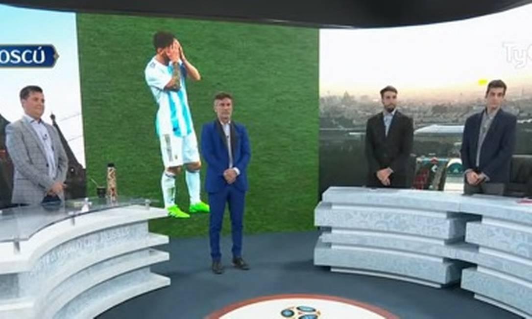 Vídeo  Programa argentino faz um minuto de silêncio por causa da seleção -  Jornal O Globo 154f7f7ad29cd