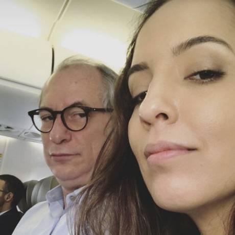Giselle e Ciro, que tem feitos gestos para atrair o eleitorado feminino Foto: Reprodução