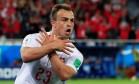 Xherdan Shaqiri comemora o segundo gol da Suíça sobre a Sérvia Foto: Gonzalo Fuentes/22-6-2018 / Reuters