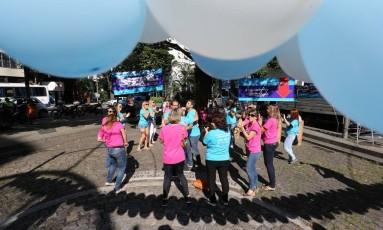 Campanha do agasalho da comunidade judaica na Praça Cazuza Foto: Marcia Foletto / O Globo