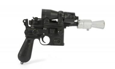 Pistola utilizada pelo personagem Han Solo, no filme 'Star Wars: O retorno de Jedi' Foto: Divulgação/ Juliens Auctions