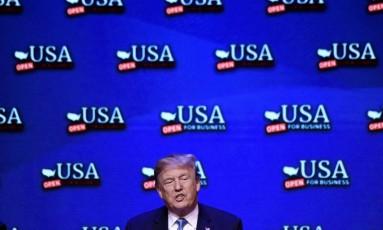 Donald Trump durante evento em Las Vegas neste sábado Foto: OLIVIER DOULIERY / AFP