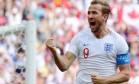 Harry Kane comemora um de seus três gols contra o Panamá Foto: Martin Bernetti / AFP