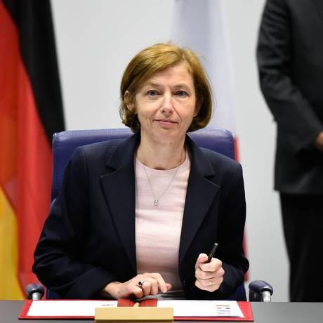 A ministra francesa da Defesa durante cerimônia de anúncio da Iniciativa Europeia de Intervenção, em Luxemburgo Foto: JOHN THYS / AFP