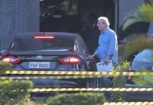 O ex-ministro José Dirceu deixa a superintendência da Polícia Federal em Brasília Foto: Jorge William/Agência O Globo/07-06-2017