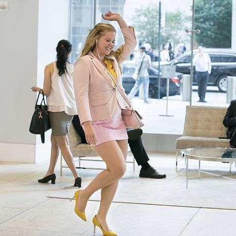 Amy Schumer diz que falar sobre a conquista da autoconfiança das mulheres muito lhe interessa Foto: Divulgação