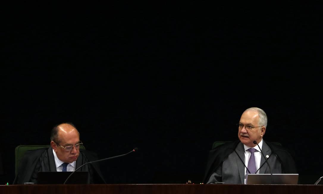 Os ministros Gilmar Mendes e Edson Fachin, durante sessão da Segunda Turma do STF em 2019 Foto: Givaldo Barbosa / Agência O Globo