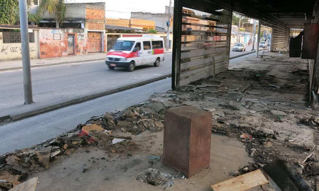 Estação depredada no corredor Transoeste do BRT Foto: Arquivo / 01/06/2018 / Rafael Galdo / Agência O Globo