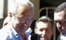 O ex-ministro José Dirceu na saída da Vara de Execuções Penais Foto: Jorge William / Agência O Globo