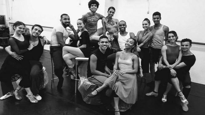 espetaculo 'Dancing Sinatra' Foto: Divulgação / Divulgação