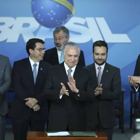 O presidente Michel Temer, durante a cerimônia de assinatura do decreto que criou cota para estagiários no serviço público Foto: José Cruz/Agência Brasil