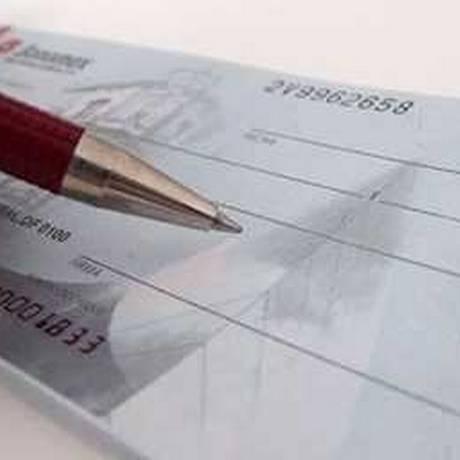 Bancos vão oferecer aos clientes que entrarem no cheque especial uma opção de parcelamento do débito por uma taxa de juro mais barata que a cobrada para o uso do limite da conta Foto: Arquivo