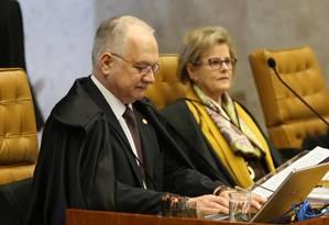 O ministro Edson Fachin, durante sessão do Supremo Tribunal Federal Foto: Givaldo Barbosa/Agência O Globo/27-06-2018