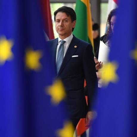 Primeiro-ministro da Itália, Giuseppe Conte, chega para participar de cúpula da UE em Bruxelas Foto: BEN STANSALL / AFP