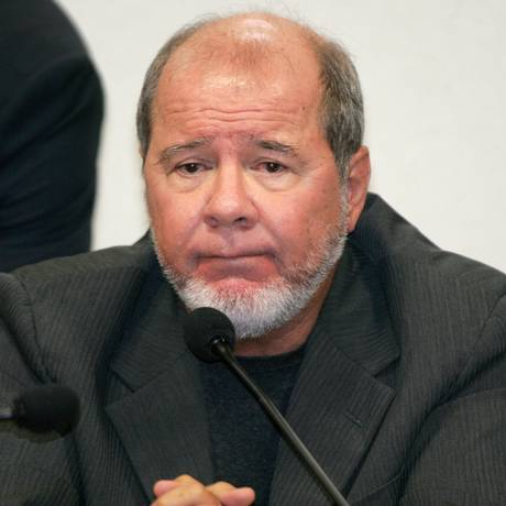 O publicitário Duda Mendonça, durante depoimento à CPI dos Correios. Foto: Roberto Stuckert Filho/Agência O Globo/15-03-2006