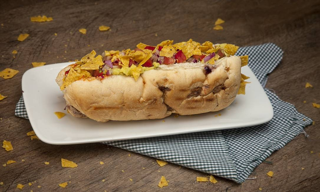 Hareburger. O haredog mexicano é com salsicha de soja, molho haredog, guacamole, pico de galo e nachos crocantes no pão de cebola (R$ 17,90). Rua Visconde de Pirajá 152, Ipanema (3518-4968) Divulgação