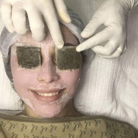 Limpeza de pele. Um dos tratamentos oferecidos na Clínica Dermais Foto: Divulgação / divulgação
