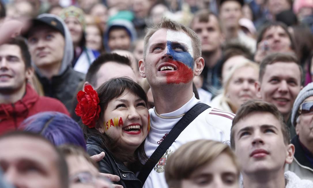 Russos e Espanhois lado a lado em Moscou Foto: ANTON VAGANOV / REUTERS