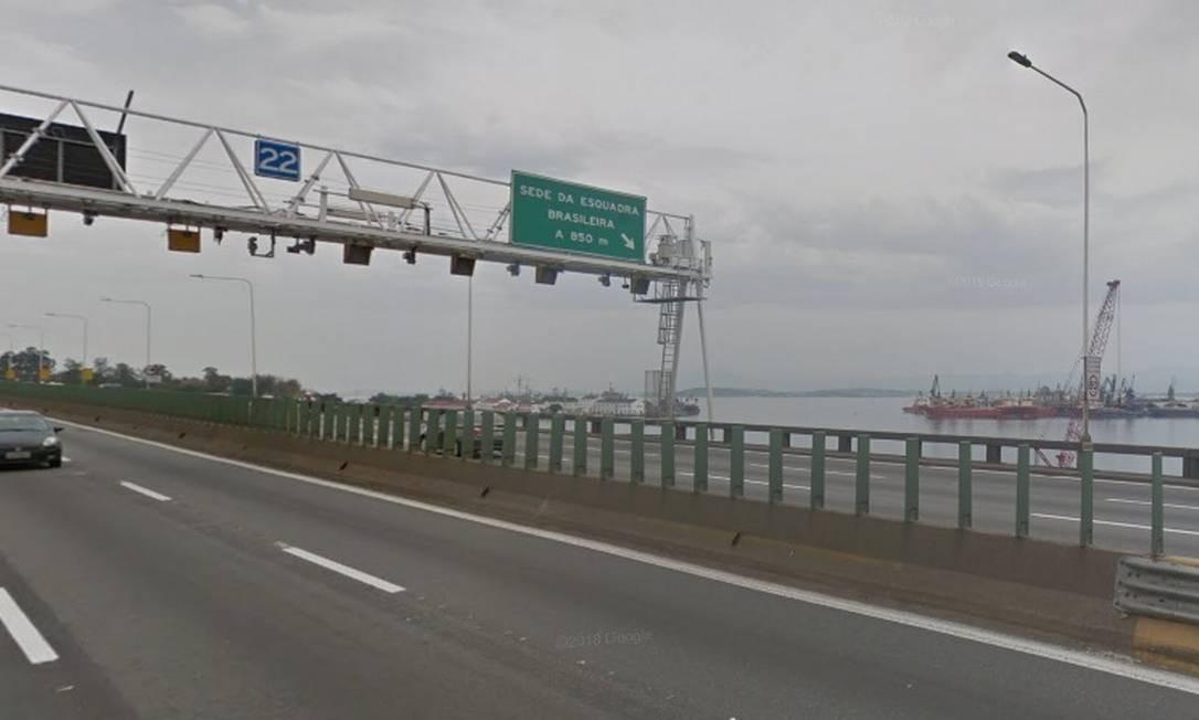 Radares do pórtico 22 da Ponte Rio-Niterói estão fora da validade Foto: Reprodução Google