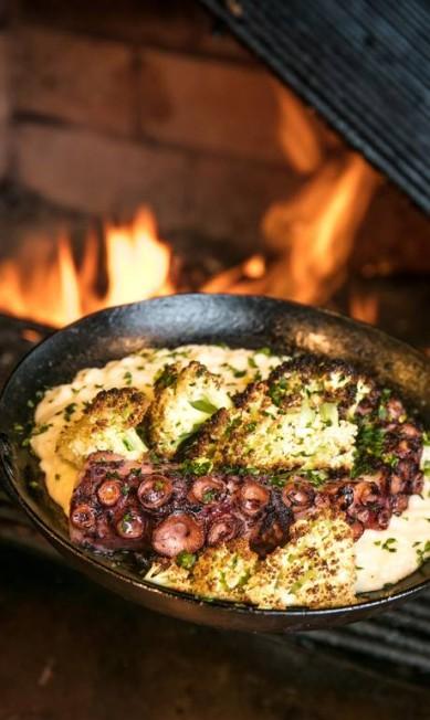 Grado. Uma das novidades do cardápio do aconchegante restaurante é o polvo grelhado com risoto de couve-flor (R$ 83). Rua Visconde de Carandaí 31, Jardim Botânico (3253-3101). TomasRangel / Divulgação